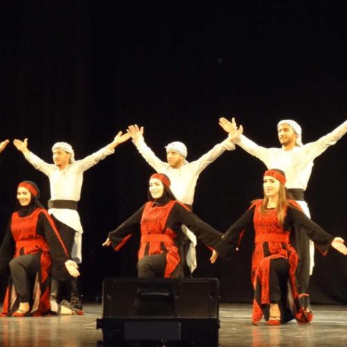 La troupe nationale palestinienne de dabké